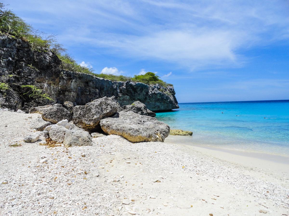 kleine knip curacao stranden op curaçao