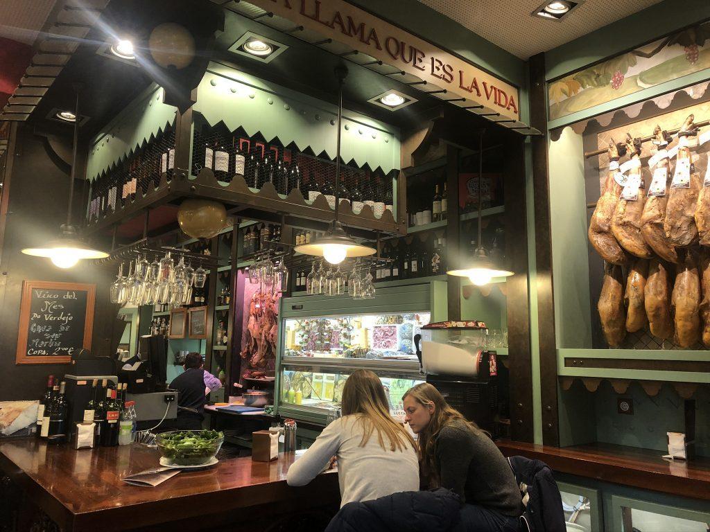 Adressen van restaurants waar je de lekkerste Spaanse tapas kunt eten in Sevilla